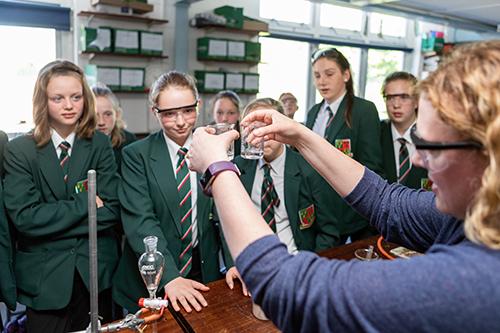 ASHTON SCHOOL CHOSEN TO PROPEL STEM CLUB PROVISION