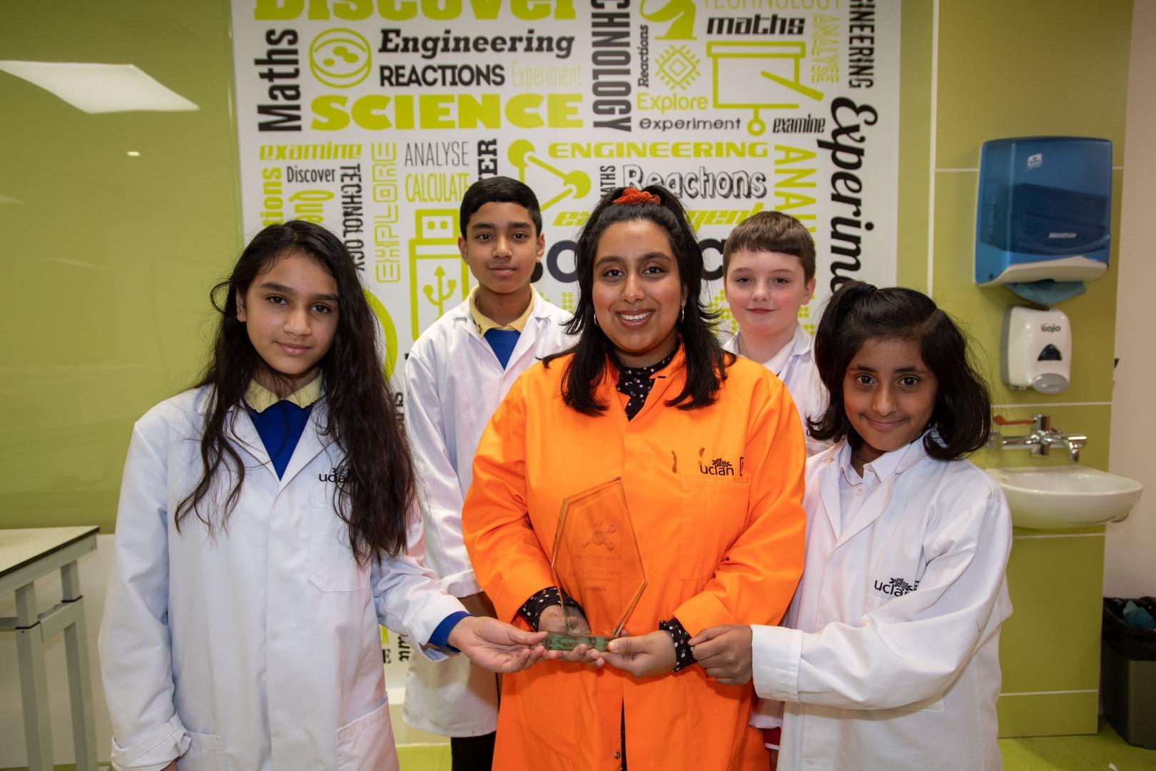 Schoolchildren give thumbs up to science showcase winner